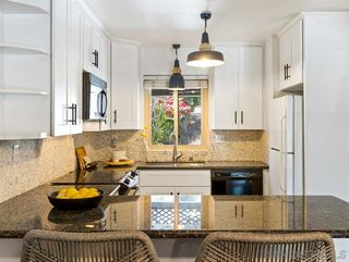 Photo 7: UNIVERSITY HEIGHTS House for sale : 3 bedrooms : 4281 Maryland St in San Diego