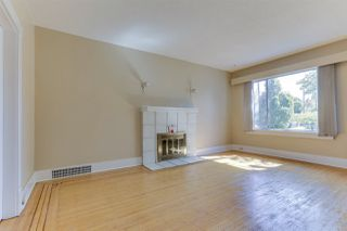Photo 4: 2793 E 1ST Avenue in Vancouver: Renfrew VE House for sale (Vancouver East)  : MLS®# R2508546