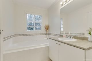 """Photo 17: 10260 243A Street in Maple Ridge: Albion House for sale in """"COUNTRY LANE"""" : MLS®# R2510571"""