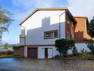 Photo 2: 38 933 Admirals Rd in : Es Esquimalt Row/Townhouse for sale (Esquimalt)  : MLS®# 859468