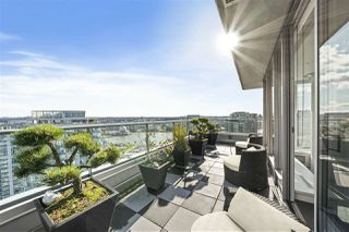 "Photo 7: 3905 188 KEEFER Place in Vancouver: Downtown VW Condo for sale in ""ESPANA TOWER B"" (Vancouver West)  : MLS®# R2517677"