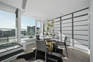 "Photo 9: 3905 188 KEEFER Place in Vancouver: Downtown VW Condo for sale in ""ESPANA TOWER B"" (Vancouver West)  : MLS®# R2517677"
