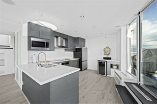 "Photo 4: 3905 188 KEEFER Place in Vancouver: Downtown VW Condo for sale in ""ESPANA TOWER B"" (Vancouver West)  : MLS®# R2517677"