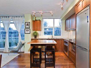 "Photo 5: 305 2228 W BROADWAY in Vancouver: Kitsilano Condo for sale in ""THE VINE"" (Vancouver West)  : MLS®# V874301"