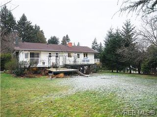 Photo 18: 2075 Haidey Terrace in SAANICHTON: CS Saanichton Single Family Detached for sale (Central Saanich)  : MLS®# 287062