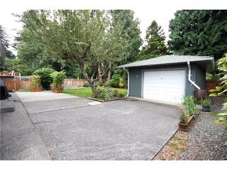 "Photo 10: 5646 10A Avenue in Tsawwassen: Tsawwassen East House for sale in ""CENTRAL TSAWWASSEN"" : MLS®# V976677"