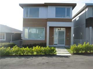Photo 2: 23 N Glynde Avenue in Burnaby: Capitol Hill BN House for sale (Burnaby North)  : MLS®# V990792