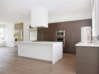 Photo 3: 23 N Glynde Avenue in Burnaby: Capitol Hill BN House for sale (Burnaby North)  : MLS®# V990792
