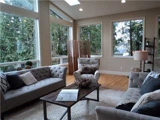Photo 2: 1463 COLUMBIA Avenue in Port Coquitlam: Mary Hill House for sale : MLS®# V1051792