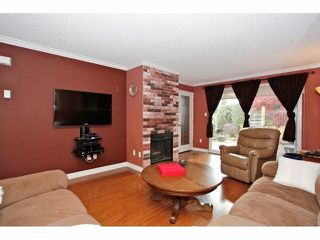 "Photo 3: 2 9988 149TH Street in Surrey: Guildford Townhouse for sale in ""Tall Timbers"" (North Surrey)  : MLS®# F1426430"