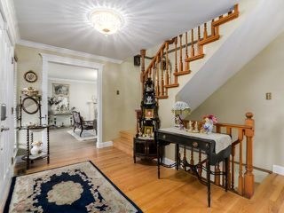 Photo 2: 1497 QUEENS Avenue in West Vancouver: Ambleside House for sale : MLS®# V1113998