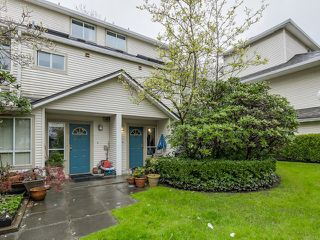 "Photo 1: 25 4319 SOPHIA Street in Vancouver: Main Townhouse for sale in ""WELTON COURT"" (Vancouver East)  : MLS®# V1116407"