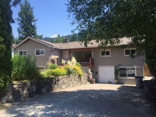 Photo 1: 41884 HOPE Road in Squamish: Brackendale House for sale : MLS®# V1132127