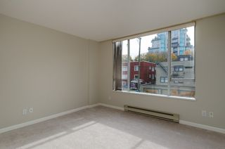"Photo 17: 301 1566 W 13 Avenue in Vancouver: Fairview VW Condo for sale in ""Royal Gardens"" (Vancouver West)  : MLS®# R2011878"