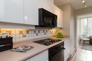 "Photo 12: 301 1566 W 13 Avenue in Vancouver: Fairview VW Condo for sale in ""Royal Gardens"" (Vancouver West)  : MLS®# R2011878"