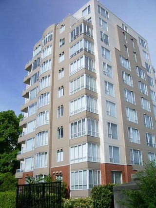 "Photo 1: 301 1566 W 13 Avenue in Vancouver: Fairview VW Condo for sale in ""Royal Gardens"" (Vancouver West)  : MLS®# R2011878"