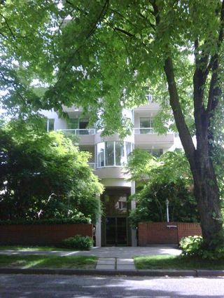 "Photo 26: 301 1566 W 13 Avenue in Vancouver: Fairview VW Condo for sale in ""Royal Gardens"" (Vancouver West)  : MLS®# R2011878"