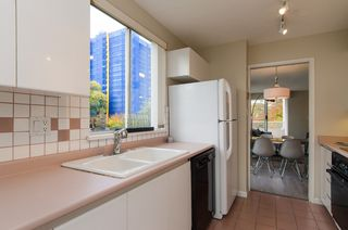 "Photo 14: 301 1566 W 13 Avenue in Vancouver: Fairview VW Condo for sale in ""Royal Gardens"" (Vancouver West)  : MLS®# R2011878"