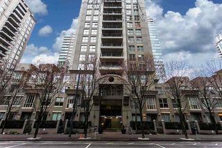 """Photo 6: 305 969 RICHARDS Street in Vancouver: Downtown VW Condo for sale in """"Mondrian 11"""" (Vancouver West)  : MLS®# R2028969"""