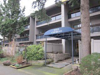 "Photo 1: 208 1425 CYPRESS Street in Vancouver: Kitsilano Condo for sale in ""CYPRESS WEST"" (Vancouver West)  : MLS®# R2039250"
