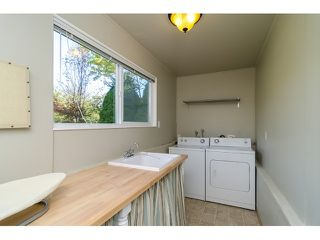 Photo 18: 15871 THRIFT Avenue: White Rock House for sale (South Surrey White Rock)  : MLS®# R2057585