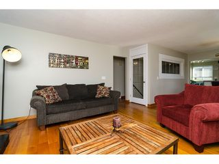 Photo 5: 15871 THRIFT Avenue: White Rock House for sale (South Surrey White Rock)  : MLS®# R2057585