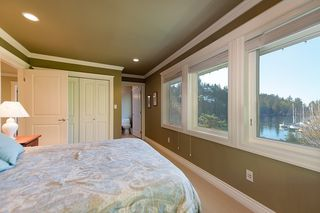 Photo 12: 5741 SEAVIEW Road in West Vancouver: Eagle Harbour House for sale : MLS®# R2078905