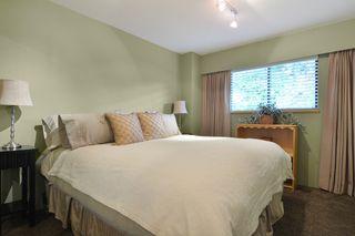 "Photo 13: 6880 ROCKFORD Place in Delta: Sunshine Hills Woods House for sale in ""SUNSHINE HILLS"" (N. Delta)  : MLS®# R2093097"