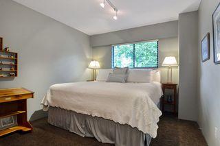 "Photo 12: 6880 ROCKFORD Place in Delta: Sunshine Hills Woods House for sale in ""SUNSHINE HILLS"" (N. Delta)  : MLS®# R2093097"