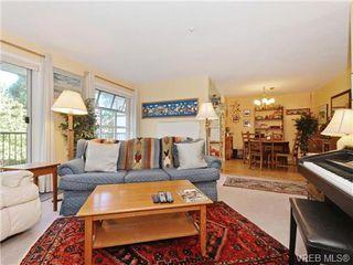 Photo 5: 204 1246 Fairfield Rd in VICTORIA: Vi Fairfield West Condo for sale (Victoria)  : MLS®# 740928