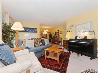 Photo 3: 204 1246 Fairfield Rd in VICTORIA: Vi Fairfield West Condo Apartment for sale (Victoria)  : MLS®# 740928