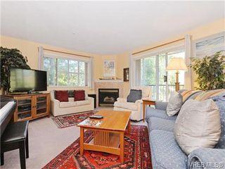 Photo 2: 204 1246 Fairfield Rd in VICTORIA: Vi Fairfield West Condo for sale (Victoria)  : MLS®# 740928