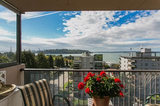 "Photo 1: 801 555 13TH Street in West Vancouver: Ambleside Condo for sale in ""PARKVIEW TOWERS"" : MLS®# R2105654"