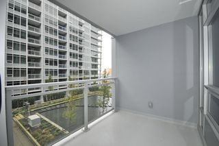 "Photo 9: 718 6188 NO 3 Road in Richmond: Brighouse Condo for sale in ""MANDARIN RESIDENCES"" : MLS®# R2119534"