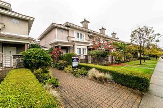 """Photo 1: 3 251 E 11TH Street in North Vancouver: Central Lonsdale Townhouse for sale in """"Arundel Court"""" : MLS®# R2119730"""