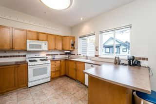 """Photo 2: 3 251 E 11TH Street in North Vancouver: Central Lonsdale Townhouse for sale in """"Arundel Court"""" : MLS®# R2119730"""