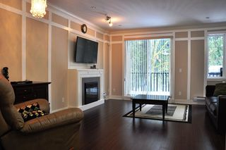 "Photo 4: 5 6383 140 Street in Surrey: Sullivan Station Townhouse for sale in ""PANORAMA WEST VILLAGE"" : MLS®# R2137891"