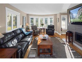 Photo 5: 2002 Corniche Pl in VICTORIA: SE Gordon Head House for sale (Saanich East)  : MLS®# 751432