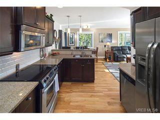 Photo 10: 2002 Corniche Pl in VICTORIA: SE Gordon Head House for sale (Saanich East)  : MLS®# 751432