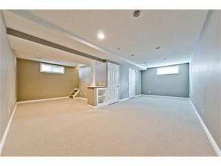 Photo 21: 36 Amiens Crescent SW in Calgary: C-018 House for sale : MLS®# C4110227