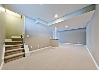 Photo 20: 36 Amiens Crescent SW in Calgary: C-018 House for sale : MLS®# C4110227