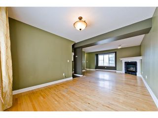 Photo 11: 36 Amiens Crescent SW in Calgary: C-018 House for sale : MLS®# C4110227