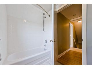Photo 19: 36 Amiens Crescent SW in Calgary: C-018 House for sale : MLS®# C4110227