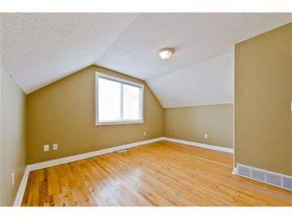 Photo 14: 36 Amiens Crescent SW in Calgary: C-018 House for sale : MLS®# C4110227