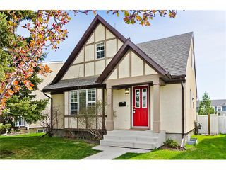 Photo 1: 36 Amiens Crescent SW in Calgary: C-018 House for sale : MLS®# C4110227