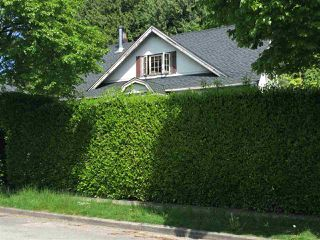"""Photo 12: 857 E 45TH Avenue in Vancouver: Fraser VE House for sale in """"Fraser"""" (Vancouver East)  : MLS®# R2168732"""