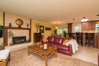 "Photo 4: 4733 SADDLEHORN Crescent in Langley: Salmon River House for sale in ""SALMON RIVER"" : MLS®# R2172074"