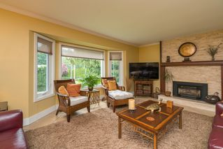"Photo 3: 4733 SADDLEHORN Crescent in Langley: Salmon River House for sale in ""SALMON RIVER"" : MLS®# R2172074"