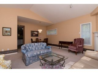 Photo 4: 13 13911 16 AVENUE in South Surrey White Rock: Home for sale : MLS®# F1449340
