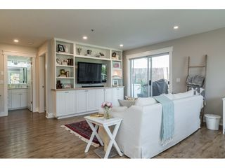 """Photo 4: 312 5419 201A Street in Langley: Langley City Condo for sale in """"VISTA GARDENS"""" : MLS®# R2183576"""